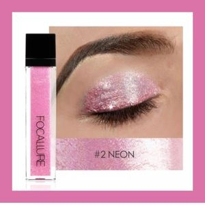 FOCALLURE Liquid shimmer eyeshadow.   NEW
